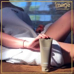 Znacie krem MesoCell❓ 🔻 Zawiera wiele aktywnych składników wpływających na zmniejszenie cellulitu.👌Napina,ujędrnia i wzmacnia skórę. 🔻 Produkt świetnie uzupełnia antycellulitową pielęgnację. Razem z ćwiczeniami i dietą, potrafi pomóc uporać się z pomarańczową skórką.😍 🔻 Krem należy stosować 2 razy dziennie najlepiej po kąpieli 🛁😉 🔻 Zacznij stosować MesoCell regularnie a efekty zobaczysz już po kilkunastu dniach❗️ 👇  MesoCell kupisz w naszej drogerii internetowej❤️ ❤️👉KOSMETYKI OD KOSMETOLOGA👈❤️ 👉Drogeria inna niż wszystkie .🛍🛒 Link do sklepu w bio👆