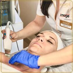 Twoja skóra potrzebuje porządnego oczyszczania skóry ? Masz dosyć czarnych zaskórników ? A może meczy Cię nadmiar sebum ? Nie wiesz od czego zacząć ?  👉 Mamy zabieg idealny dla Ciebie ‼️❗️ 👉Zapraszamy na medyczne oczyszczanie skóry 🔝🏆🥇 👉 Dzięki tej niesamowicie skutecznej procedurze zabiegowej, stworzonej przez naszych doświadczonych kosmetologów  💎 złuszczysz martwe komórki  naskórka 💎 skutecznie usuniesz zanieczyszczenia z gruczołów łojowych ( zaskórniki, grudki, prosówki, drobne krostki) 💎 zmniejszysz produkcję sebum 🔴 Musisz to wypróbować ! 🔴 Skorzystaj ze specjalnej promocji ‼️ 🔴 Tylko do końca października zabieg kosztuje  199 zł zamiast 240 zł ‼️  ☎️ 662497510 ❤️ Zapraszamy